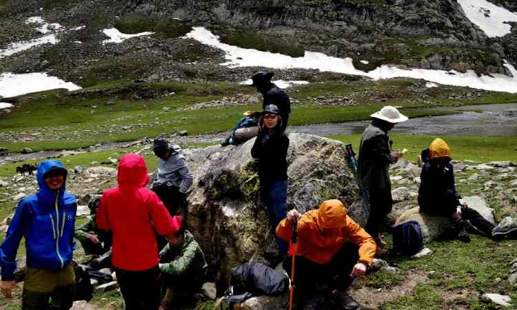 Hiking tours in Aru valley