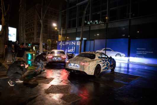 Alpine AS110 A110 Viree nocturne showroom 7 fevrier 2017 Team (9)