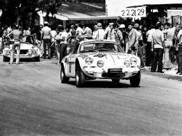 Dubino and Vesco at speed during the 1975 Targa Florio.