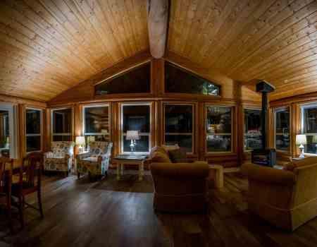 Log cabin lodge in Golden British Columbia