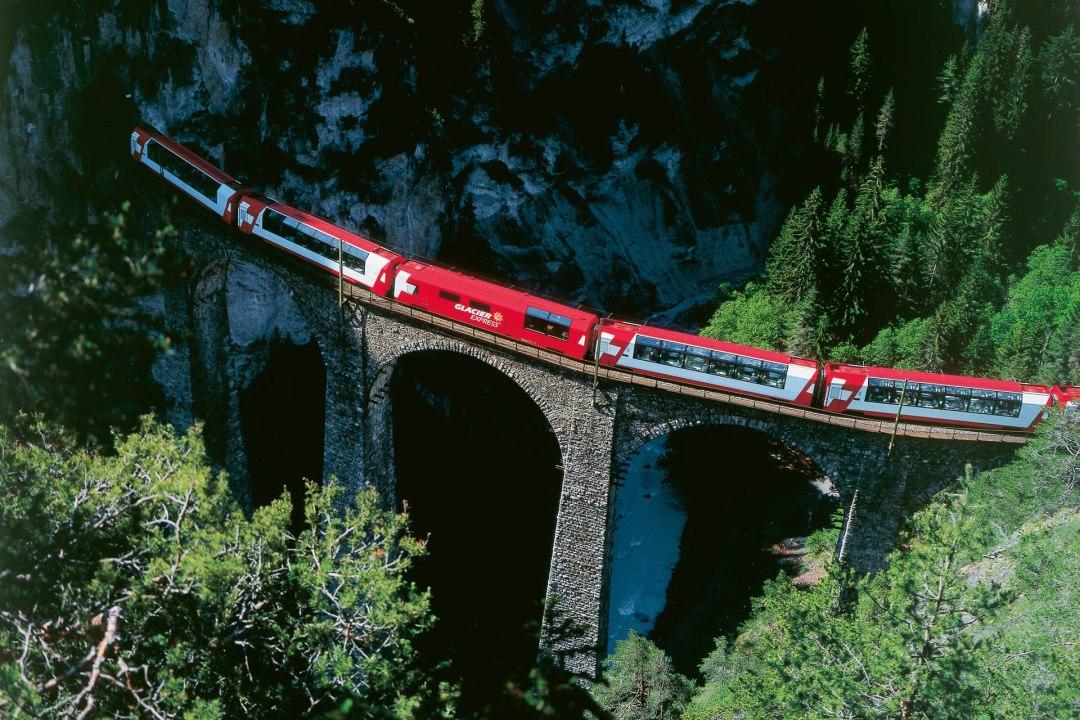 Copyright by Rhaetische Bahn: swiss-image- STS3139/ Christof Sonderegger