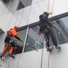 Мытье окон альпинистами Москва