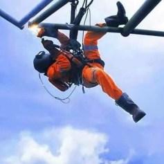 Сварочные работы на высоте альпинистами