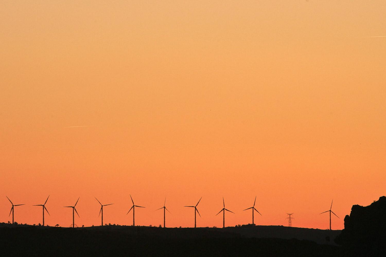 eolienne coucher de soleil reportage alpix photo