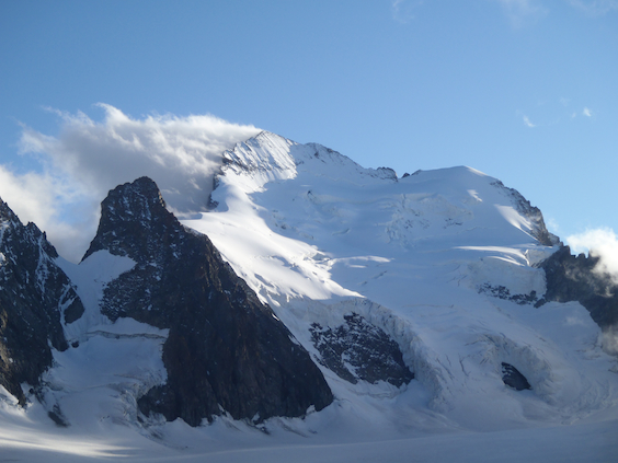 view-of-dome-des-ecrins-mountaineering