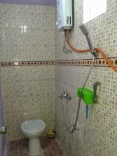 25-kamar-mandi-dalam-di-kamar-tidur-4