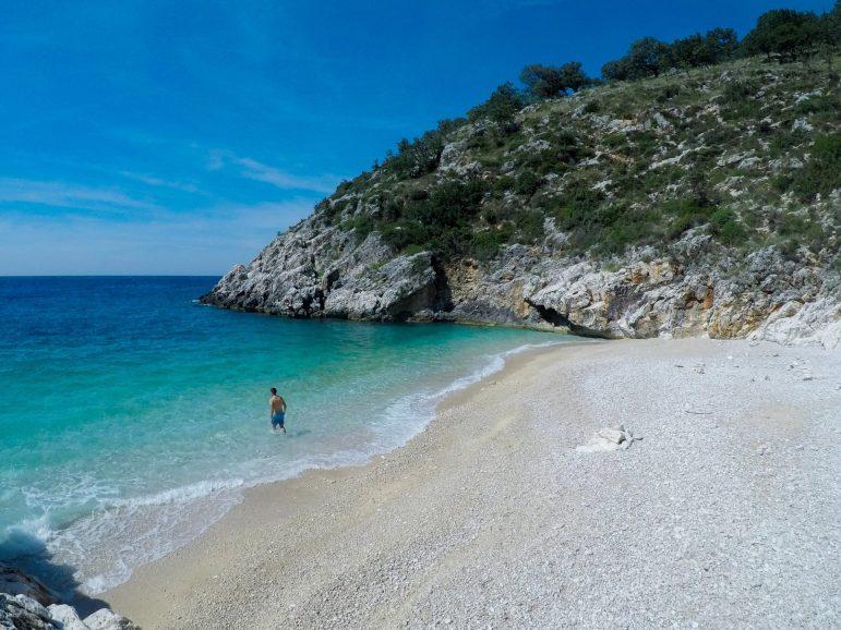 Shen Andre Bay Albania