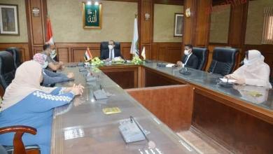 صورة نائب محافظ سوهاج يجتمع بإدارة خدمة المواطنين بديوان عام المحافظة