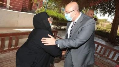 صورة غنيم يزور دار الخير والبركة لتهنئة المسنين في أول أيام عيد الأضحى المبارك
