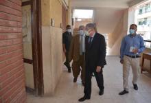 صورة محافظ المنيا يتابع سير امتحانات الثانوية العامة بعدد من اللجان
