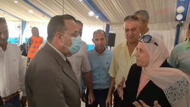 صورة محافظ شمال سيناء يتابع توزيع الدفعة الأولى من تعويضات أسر الشهداء والمصابين بالعريش