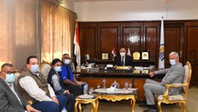 صورة محافظ قنا يستقبل السفير الهولندي ومدير مكتب برنامج الغذاء العالمي
