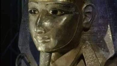 صورة الملك الفضي
