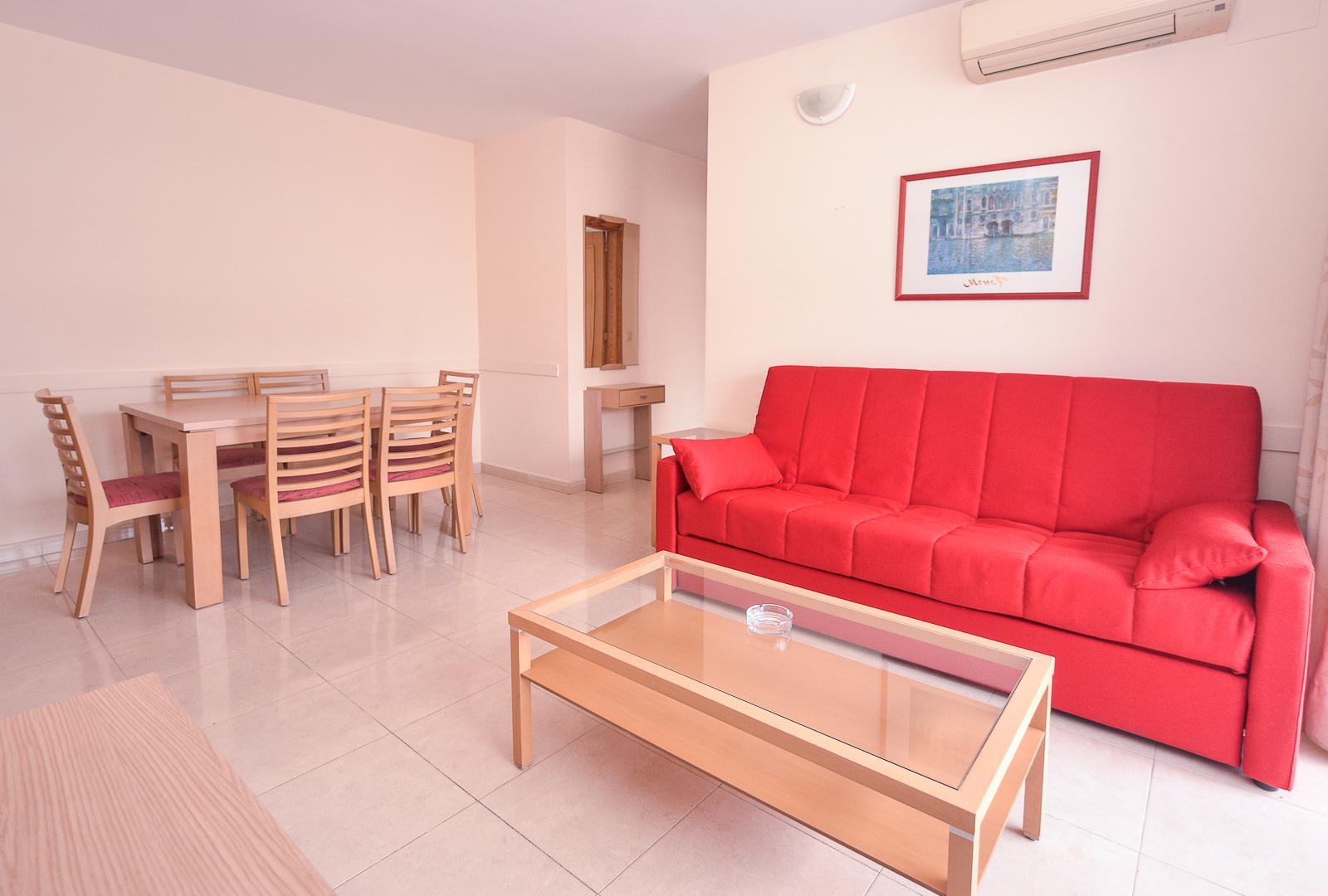 Distribuidos en los siguientes ambientes: Alquiler de apartamentos en la Playa de Gandia, Valencia ...