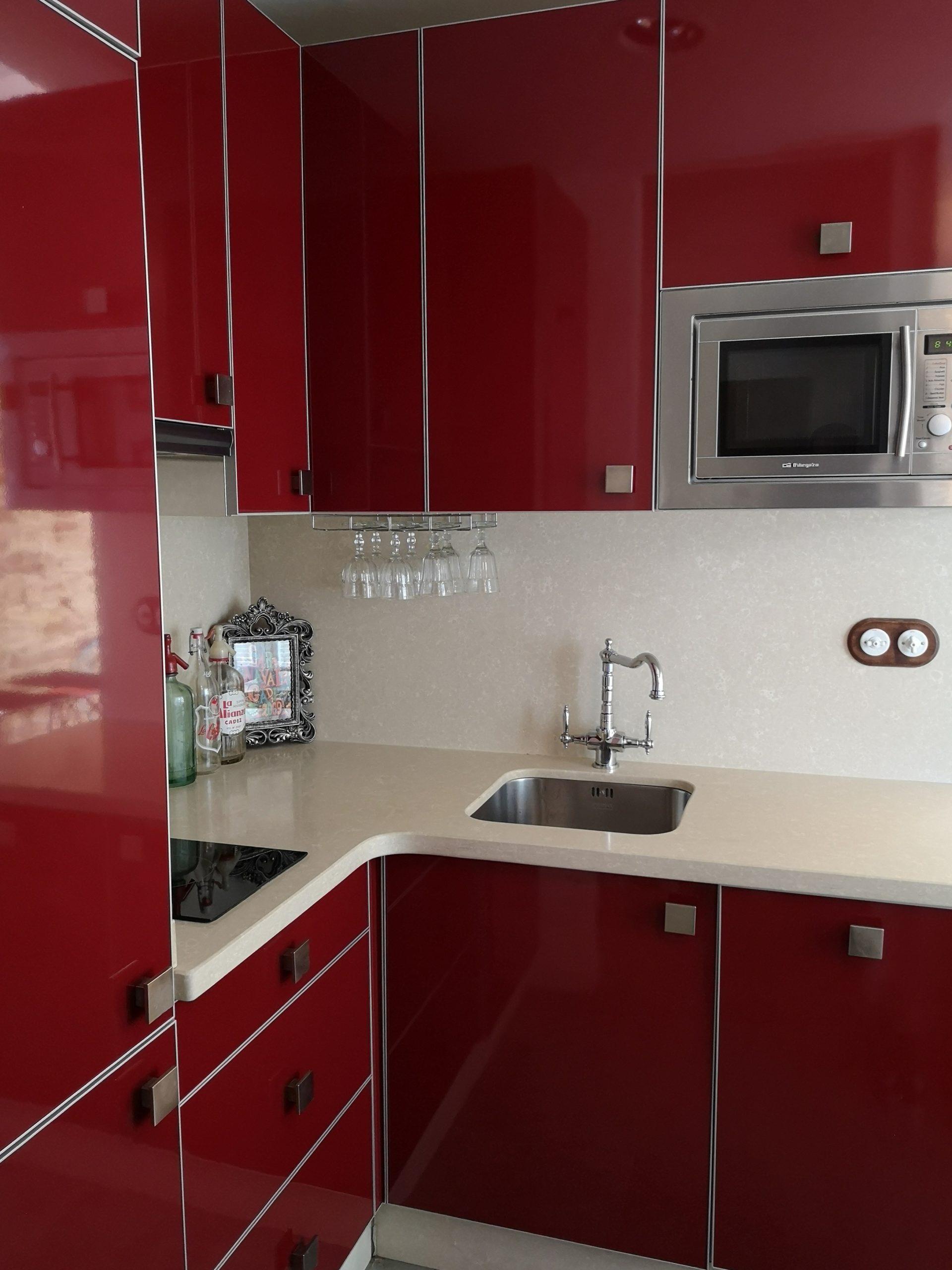 Tenemos los mejores alojamientos para ti, en el centro de la ciudad y frente a la playa. Apartamento en Cádiz Capital. - Alquiler Docente Andalucia