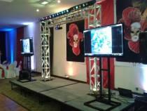 pantallas y stands