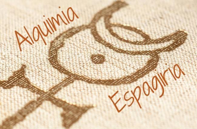 Alquimia e Espagiria: Reflexões Esparsas