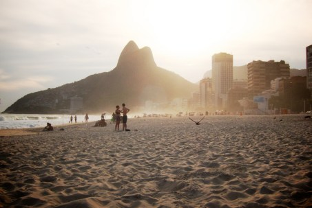 A sunny afternoon draws to a close on Ipanema beach.