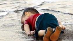 هل يتالم الطفل عند الموت وهل موته يدخل ابواه الجنة