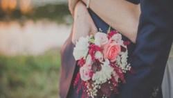 تفسير حلم الفرح في المنام للعزباء والمتزوجة والحامل