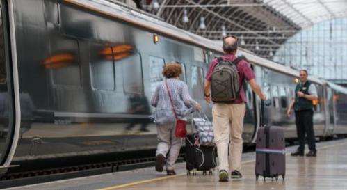 تفسير حلم الجري وراء قطار