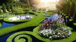 تفسير حلم سقي الحديقة في المنام