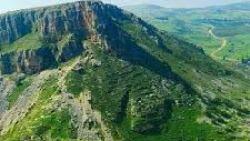 تفسير حلم خروج الماء من الجبل
