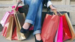 تفسير حلم شراء الميت ملابس جديدة في المنام