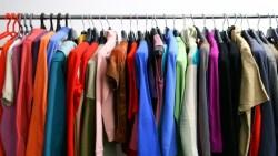 تفسير حلم الملابس الكثيرة في المنام