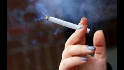 تفسير رؤية أحد الأقارب يدخن في المنام