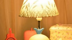 تفسير حلم تشغيل المصباح في المنام