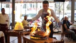مطعم الحمراء البخاري بالسعودية