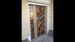 تفسير الوقوف على عتبة الباب في المنام للعزباء
