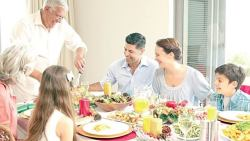 تفسير حلم الأكل مع النصارى في المنام