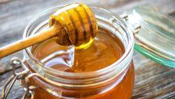 تفسير رؤية العسل في المنام للعزباء