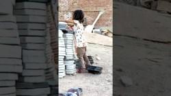تفسير حلم طفلة صغيرة جميلة تضحك للمطلقة في المنام