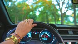 تفسير حلم قيادة السيارة بدون فرامل في المنام