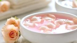 وصفة ماء الورد والبيض للشعر