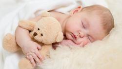 تفسير رؤية النوم في المنام للاشخاص