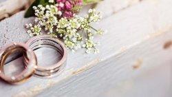 تفسير حلم الزواج من رجل أعزب