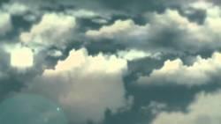 تفسير حلم سقوط الغيوم على الأرض للمتزوجة