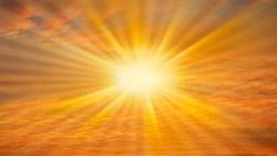 ما تفسير رؤية الشمس والقمر معا في المنام؟
