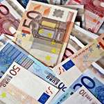 Jean Castex annonce une « prime Macron » pour les bas salaires et prolonge des aides