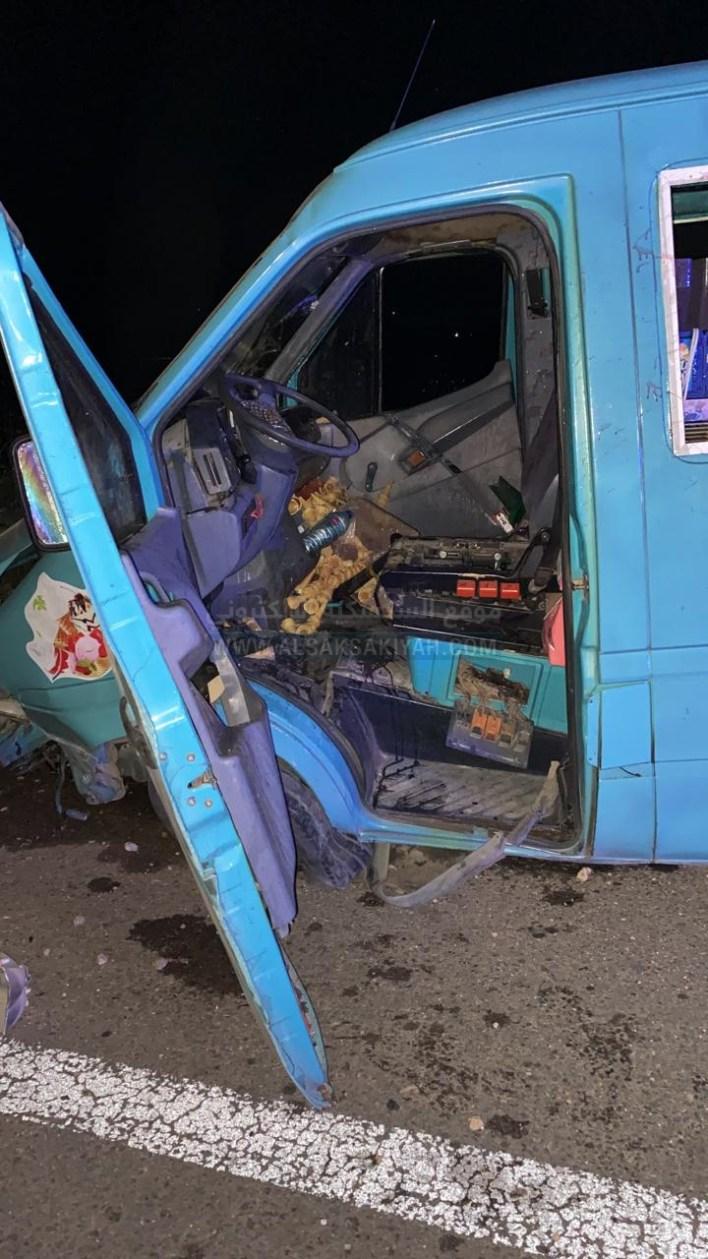 عاجل : سائق آيس كريم يفقد السيطرة على سيارته .. فوقع الحادث المروع في عدلون