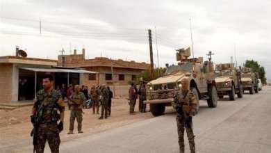 صورة مداهمات واعتقالات للتحالف الدولي وميليشيا قسد بريف ديرالزور الشرقي