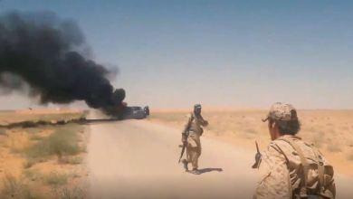 صورة استهداف رتل عسكري للميليشيات الإيرانية في بادية ديرالزور
