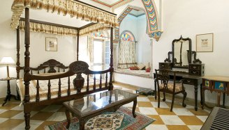 Royal Room 2