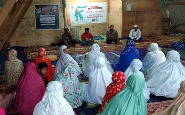 Yayasan Al-Sofwa Berbuka Puasa Bersama Pengungsi Dupa Indah Palu