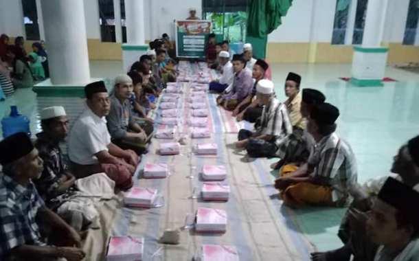 Buka Puasa Bersama Yayasan Al-Sofwa di Desa Tandihat Ulu Barumun Padang Lawas