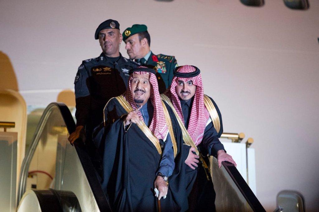 خادم الحرمين الشريفين يصل إلى منطقة الجوف